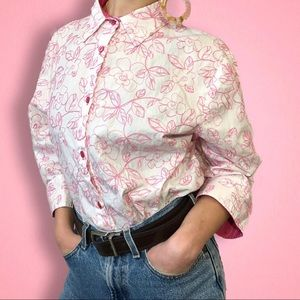 🎉 Maggie Sweet White And Pink Floral Button Up 🎉